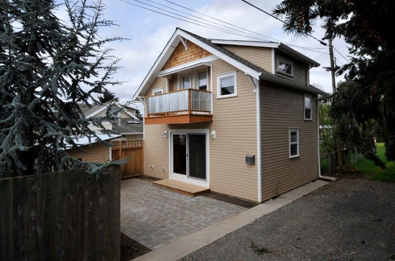 Portland oregon says yes to laneway houses the lady who for Building a house in portland oregon